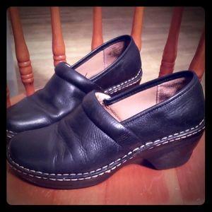 Softspots Black Leather Shoes 8 Med